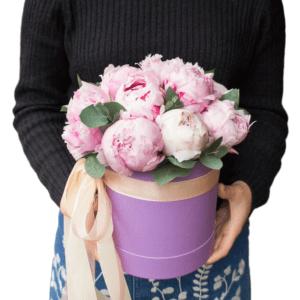 """Цветы в шляпной коробке """"Жозефина"""""""